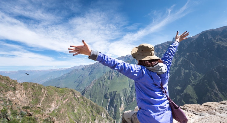 Tourist looking at the Colca canyon