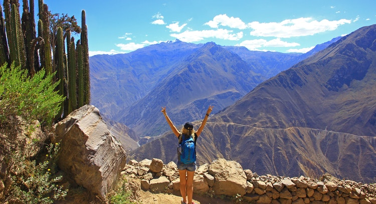 woman in the colca canyon in peru
