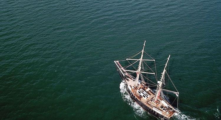 Entardecer no Barco Pirata