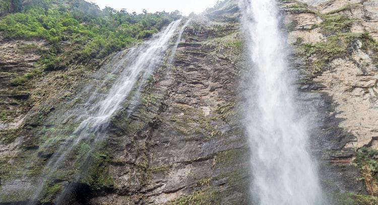 Catarata de 771 metros de altura
