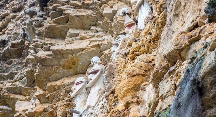 Karajía e Caverna de Quiocta
