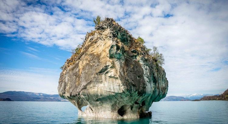 Navegación Capilla de mármol en Coyhaique con Denomades