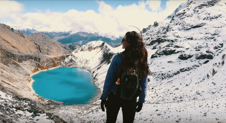 laguna Humantay no caminho a Machu Picchu
