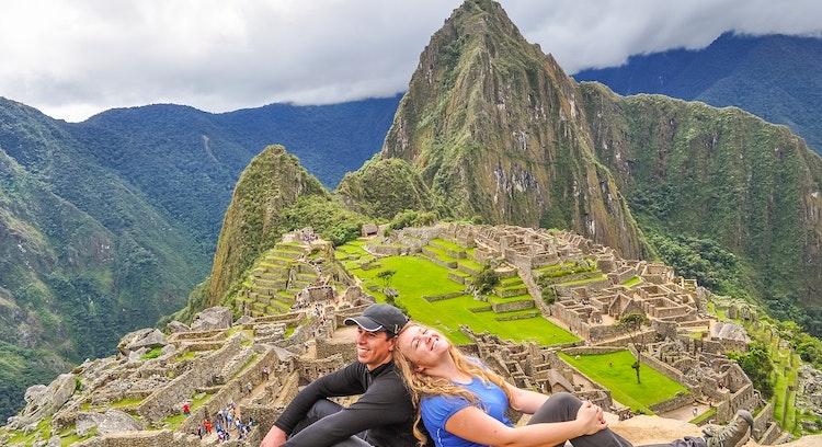Pareja en Machu Picchu