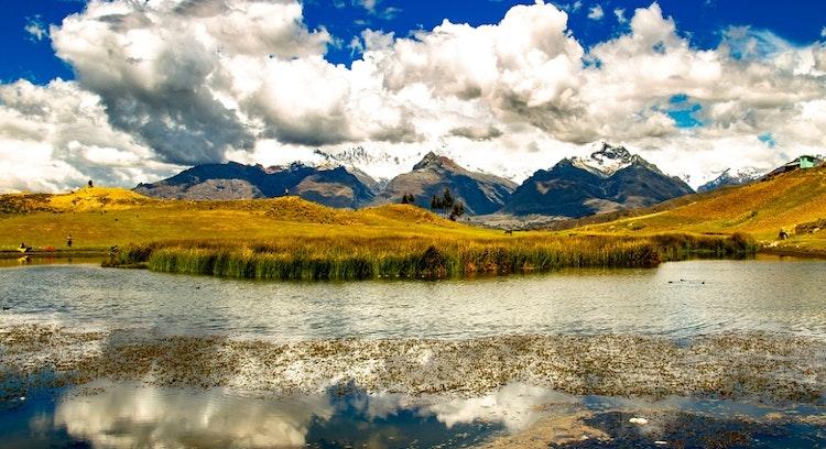 Panoramica em Lagoa Wilcacocha