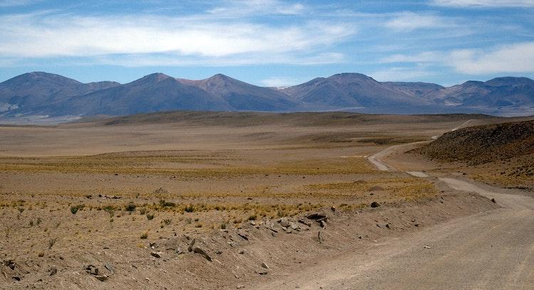 Camino en desierto de Atacama