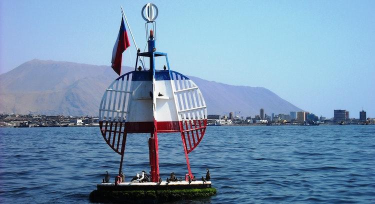 Boya Esmeralda en Iquique Chile