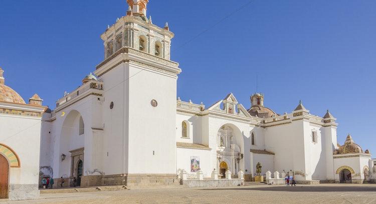 Basílica de Nuestra Señora de Copacabana en Bolivia