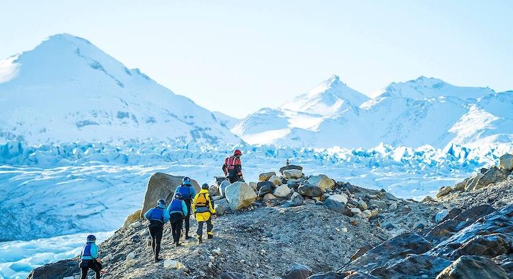caminhada no gelo em grupo na geleira Grey