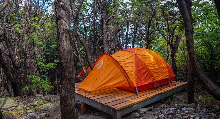 Carpa en Camping los Cuernos circuito W