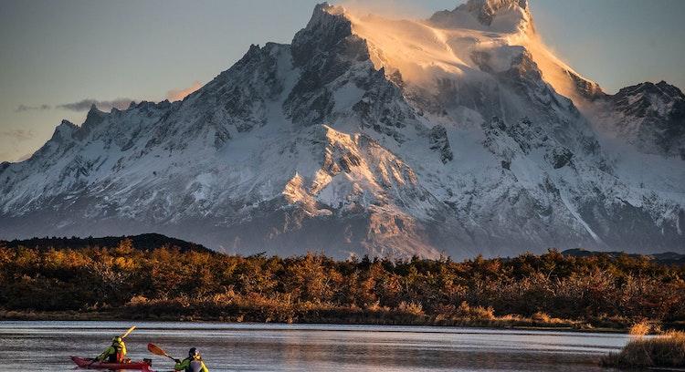 Kayak en parque nacional Torres del Paine