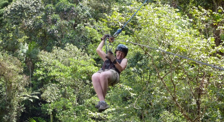 Zipline en la Región de Mindo