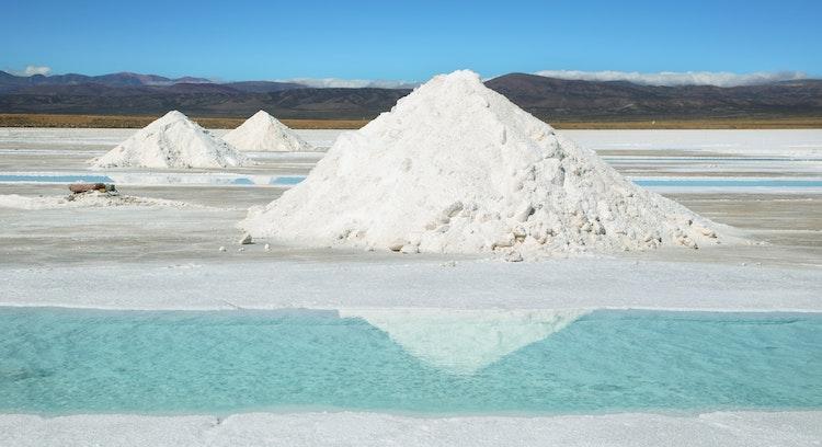montaña de sal sin personas