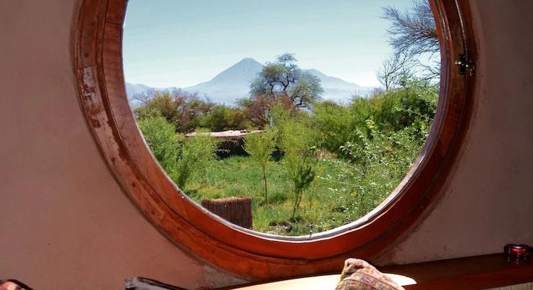 Vista de volcán desde hotel