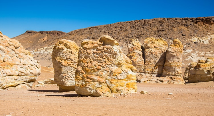 Formações rochosas no deserto