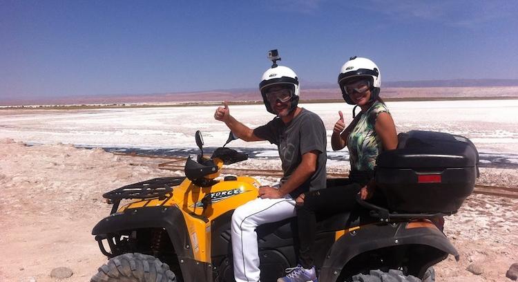 Cuadrimotos en salar de Atacama