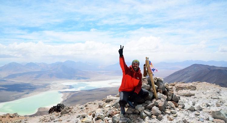 Cráter del volcán Licancabur en Atacama