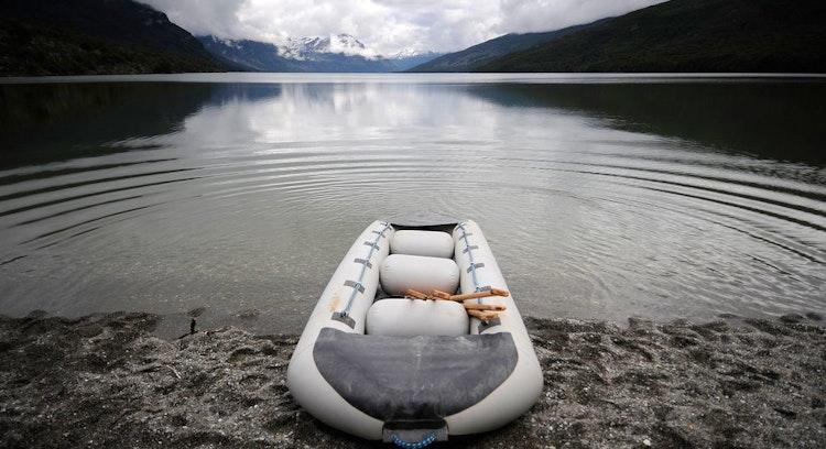 Canoa en el parque nacional en Ushuaia